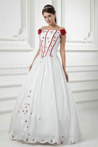 Ivory Ball Gown Wedding Dresses with Red Embroidery