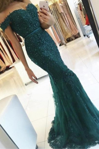 Mermaid Emerald Green Off Shoulder Lace Prom Dress